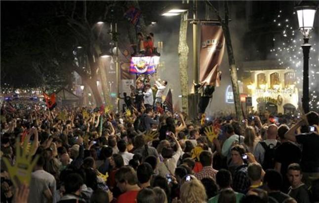 Los culés volvieron a reunirse en Canaletes | Foto: ARCHIVO/EFE