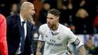 Zinedine Zidane y Sergio Ramos durante el Sevilla-Real Madrid de la Liga 2016/17