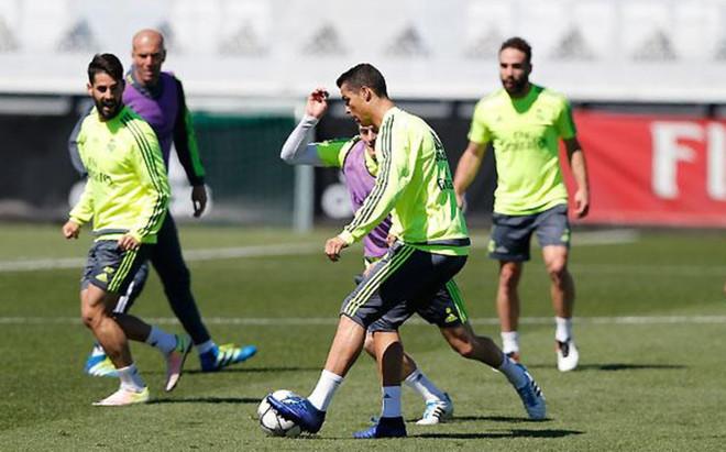 Cristiano Ronaldo ya no siente molestias en la pierna derecha