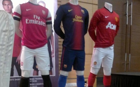Las futuras camisetas del Bar�a, Arsenal y Manchester United