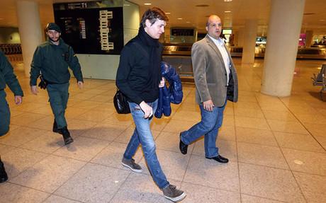 La imagen de Tito a su llegada a Barcelona