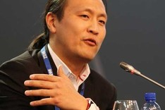 D�dac Lee ve con optimismo el futuro digital del Bar�a