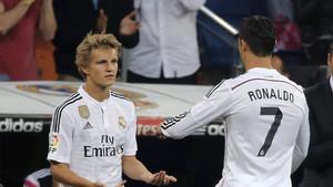 Odegaard en su debut con el Real Madrid, con sólo 16 años