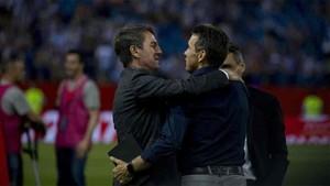 Unzué se abrazó a Robert Fernández