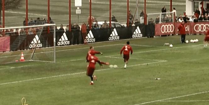 El golazo 'top class' de Thiago en el entrenamiento
