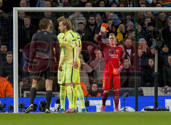 صور : مباراة مانشستر سيتي - برشلونة 1-2 ( 24-02-2015 )  1424816312142