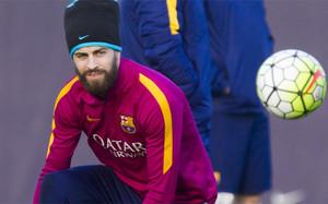 Gerard Piqué se picó con Suárez en el entrenamiento del Barça