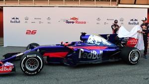 Sainz y Kvyat descubren su nuevo Toro Rosso 2017 en el Circuit