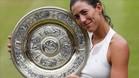 Muguruza, posando tras su victoria en Wimbledon