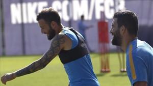 Unas inoportunas y sorprendentes molestias dejarán fuera a Aleix y Arda para el partido de Copa