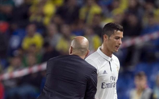 El cambio de Cristiano Ronaldo en Las Palmas a�n colea