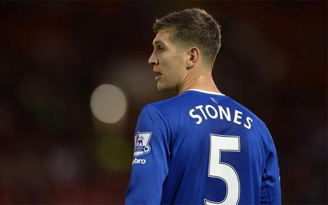 El Bar�a pugnar� con el Chelsea por el defensa ingl�s Stones