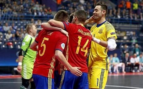 Espa�a se enfrenta este jueves a Kazajist�n por un puesto en la final del Europeo