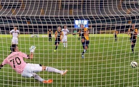 Luca Toni marc� un gol de penalti