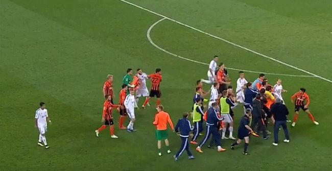 Masiva pelea en el Shakhtar - Dynamo