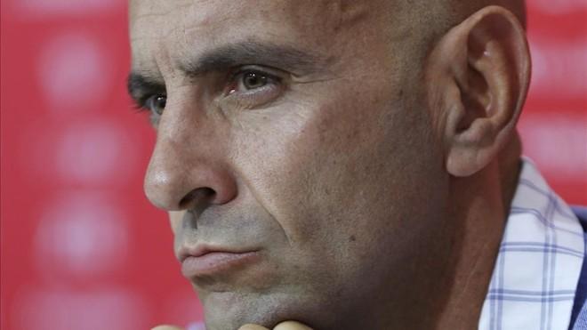 Monchi habla sobre las opciones del Sevilla de repescar a Aleix Vidal
