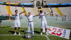 Marc López, Antonio Rebollo y Rafa Nadal, simulando el lanzamiento de Barcelona92