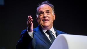 El presidente de LaLiga, Javier Tebas, durante su intervención en el World Football Summit, el mayor congreso mundial de la industria del fútbol, celebrado este martes en el Teatro Goya de Madrid