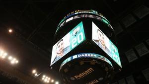 Hayward lanzó un mensaje de agradecimiento a los aficionados de los Celtics en la videopantalla