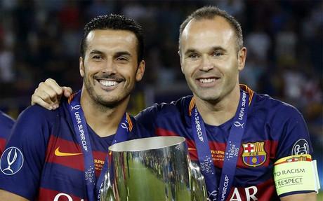 Pedro e Iniesta ya no son compa�eros de club pero siguen siendo buenos amigos