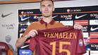 Thomas Vermaelen, el día de su presentación con la Roma el 13 de agosto de 2016