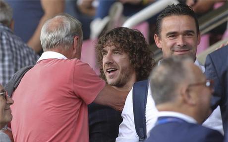 Algunos ex futbolistas del Bar�a coincidieron en el palco del Mini Estadi