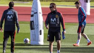 Julen Lopetegui, entrenador de España, durante un entrenamiento de la selección