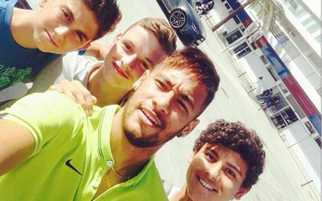 Lederman, Sergio G�mez y Lucas de Vega se fotografiaron con Neymar