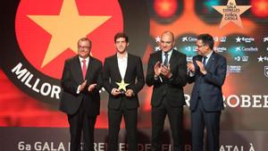 Sergi Roberto recibió el premio al mejor jugador