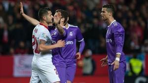 Vitolo no se tomó bien el balonazo de Cristiano Ronaldo