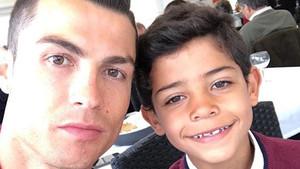 El selfie de Cristiano Ronaldo con su hijo Cris Junior