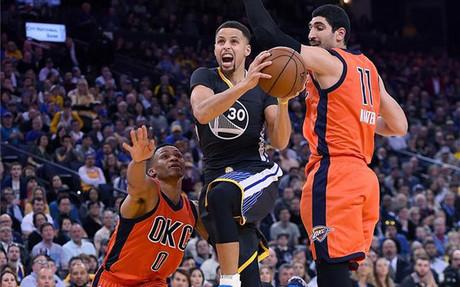 Curry y sus Warriors siguen lanzados y sin rival