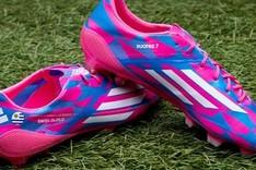 Las botas que Luis Su�rez estrenar� en el Bernab�u