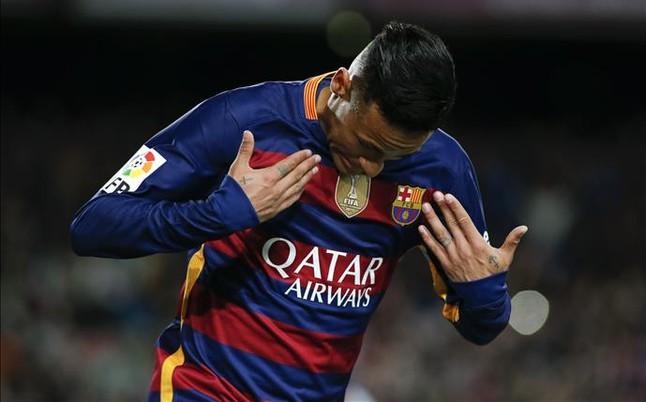 """Neymar: """"El gordo se me adelant� en el penalti"""""""