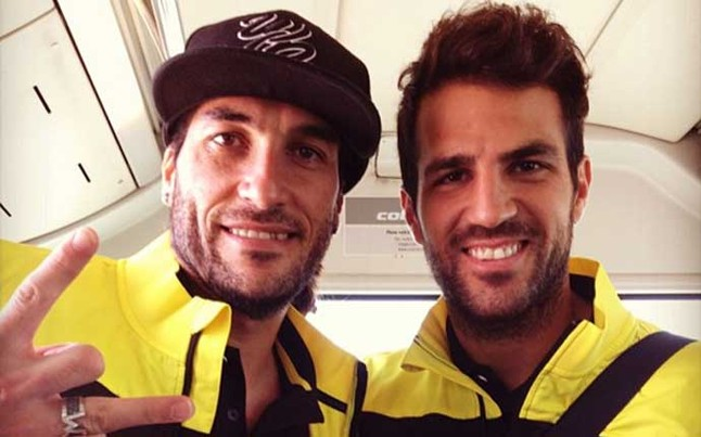 Barcelonas rapper reserve keeper Pinto posts picture with Cesc Fabregas on the way back to Barcelona