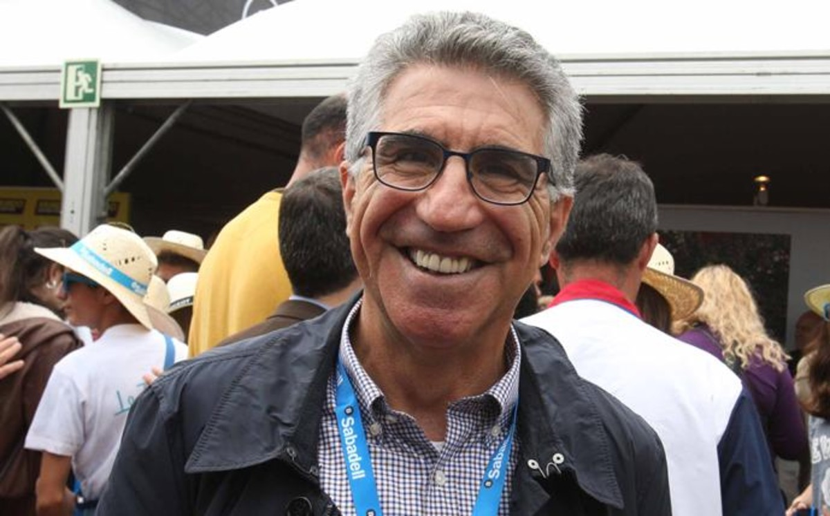 Manuel Orantes declina ser candidato a la presidencia