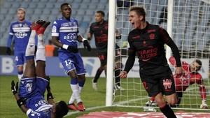 Souquet celebra un gol que valió un punto para un Niza que sigue en un mal momento