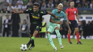 Dahoud deslumbró ante el FC Barcelona
