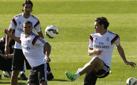 Bale, con Pepe y Khedira en un entrenamiento del Real Madrid