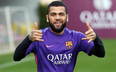 Dani Alves est� muy cerca de extender su v�nculo con el Barcelona