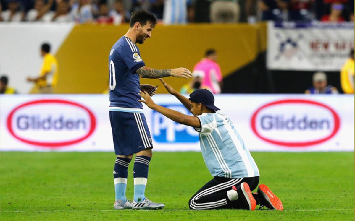 Messi se convierte en el máximo goleador en la historia de la selección argentina