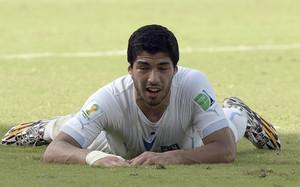 En teoría, Luis Suárez no podrá jugar hasta finales de octubre
