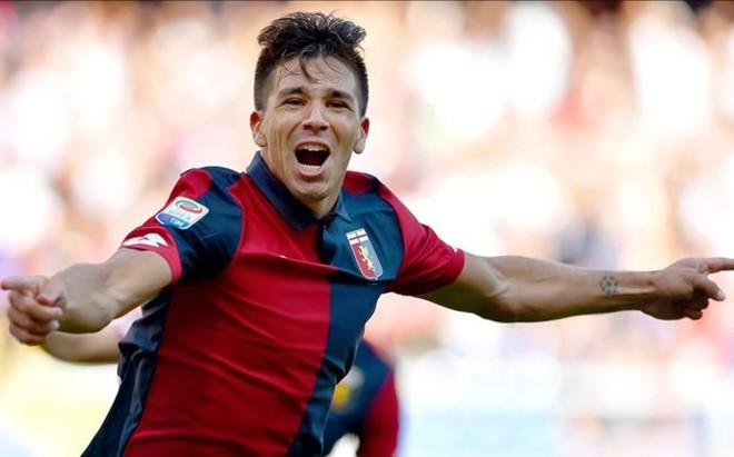 Gio Simeone celebra el gol que le marc� al Pescara