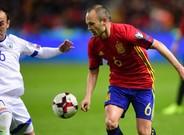 Iniesta fue de los mejores jugadores de la selección ante Israel