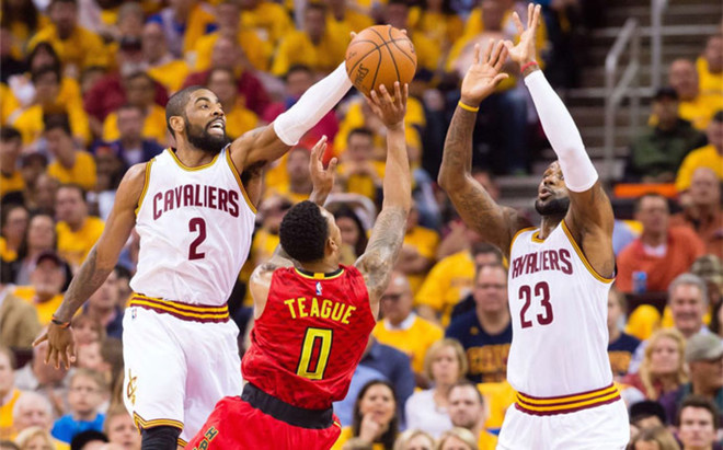 James e Irving comandaron a los Cavaliers