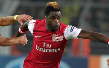 Alex Song sabr� en dos d�as si ficha por el FC Barcelona