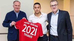 Thiago, durante la presentación oficial de su renovación