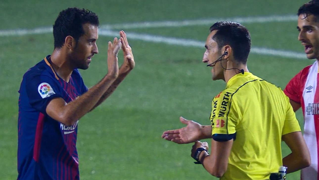 LALIGA | Girona-Barça (0-3): La confusión de Busquets con el árbitro
