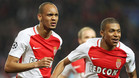 Fabinho y Mbappé celebran un gol del segundo en el Mónaco-City de la Champions 2016/17