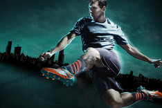 La infancia de Leo Messi convertida en una bota de f�tbol